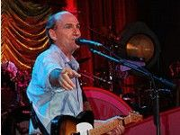 James Taylor in concerto a Trieste