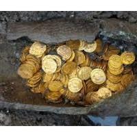 Scoperte a Como trecento monete romane